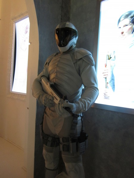 hunger-games-mockingjay-the-capitol-gallery-sdcc-peacekeeper