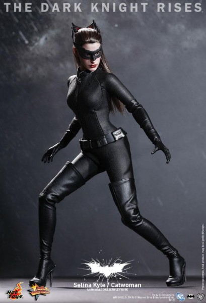 the-dark-knight-rises-catwoman-hot-toys