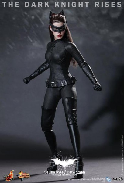 the-dark-knight-rises-hot-toys-catwoman