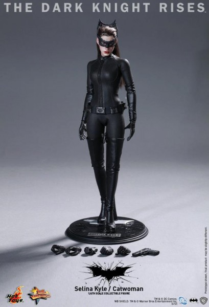 the-dark-knight-rises-hot-toys-figure-selina-kyle-catwoman