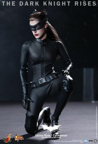 the-dark-knight-rises-hot-toys-selina-kyle-catwoman