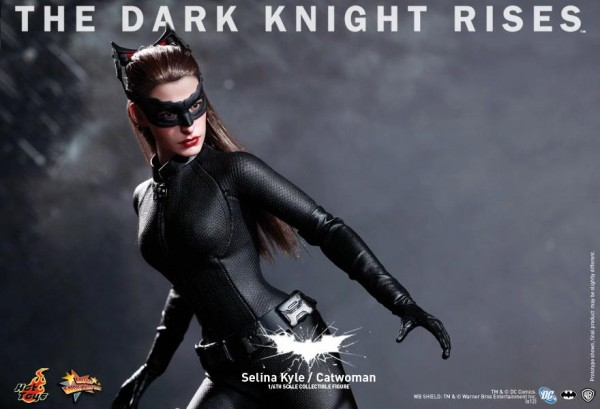 the-dark-knight-rises-selina-kyle-catwoman-hot-toys