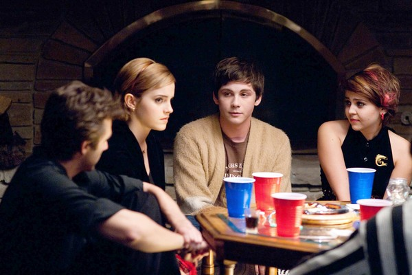 the-perks-of-being-a-wallflower-movie-image-emma-watson-logan-lerman-03