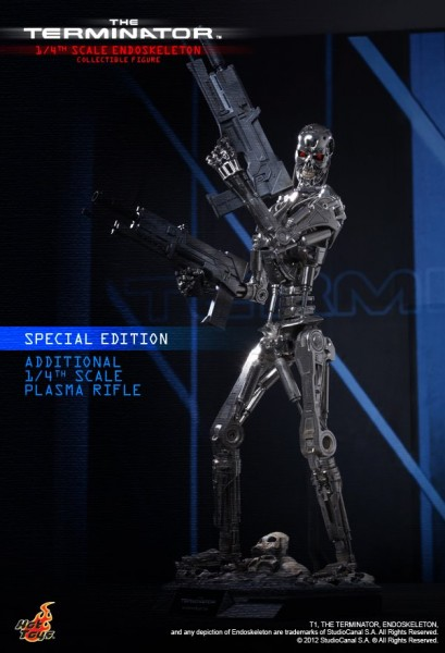 the-terminator-collectible-figure-hot-toys
