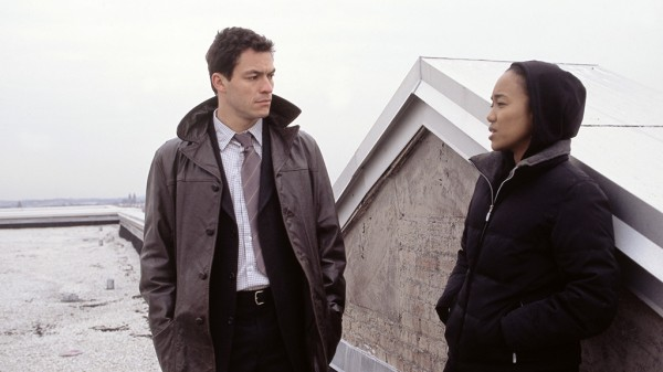 the-wire-season-1-tv-show-image-dominic-west-sonja-sohn