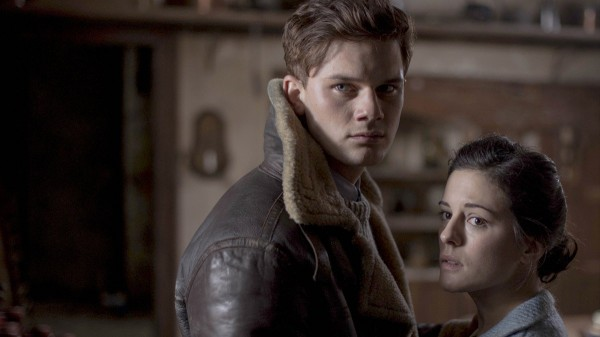 the-woman-in-black-angel-of-death-jeremy-irvine