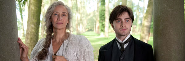the-woman-in-black-movie-image-daniel-radcliffe-janet-mcteer-slice-01