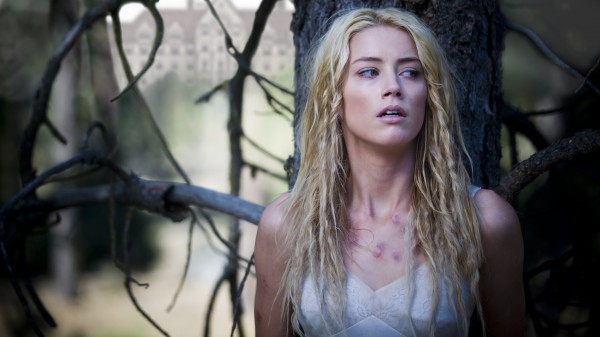 the_ward_movie_image_amber_heard_01