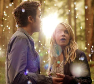 thomas-dekker-britt-robertson-secret-circle-image