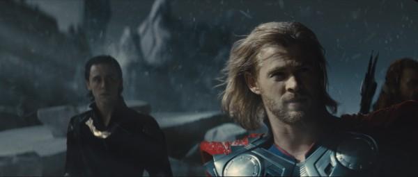 thor-movie-image-tom-hiddleston-chris-hemsworth-02