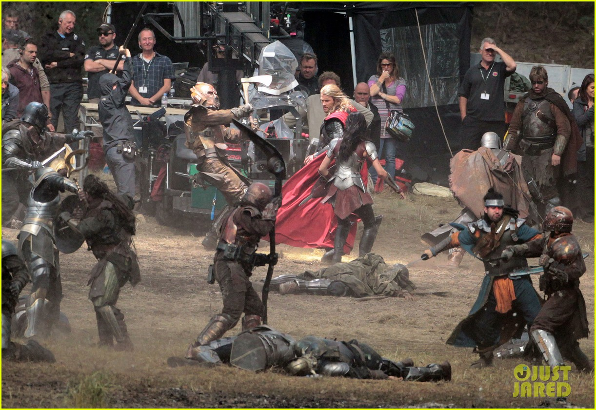 New images from the set of thor the dark world featuring chris