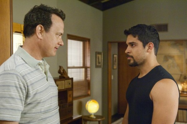 tom-hanks-wilmer-valderrama-larry-crowne-image