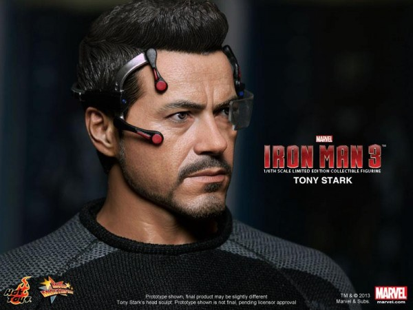 tony-stark-hot-toys-figure