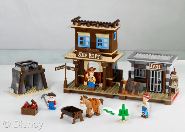 Toy Story Woody's Round Up Lego