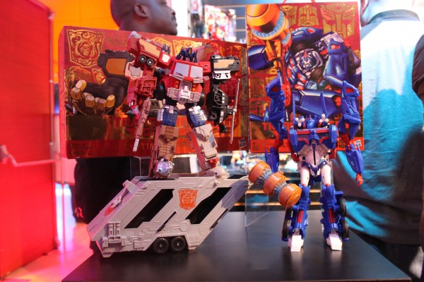 transformers-images-toy-fair (12)