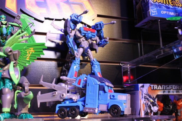 transformers-images-toy-fair (27)