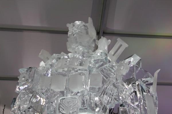transformers_ice_sculpture_03