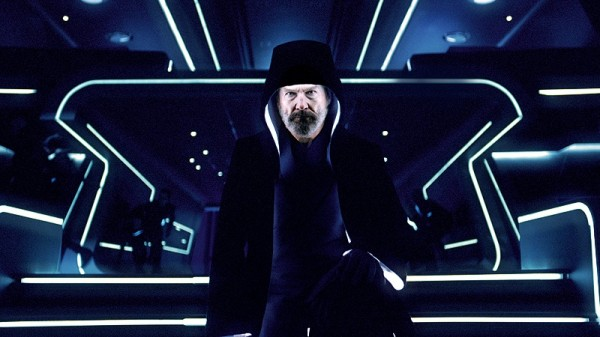 tron_legacy_movie_image_jeff_bridges_cloaked_01