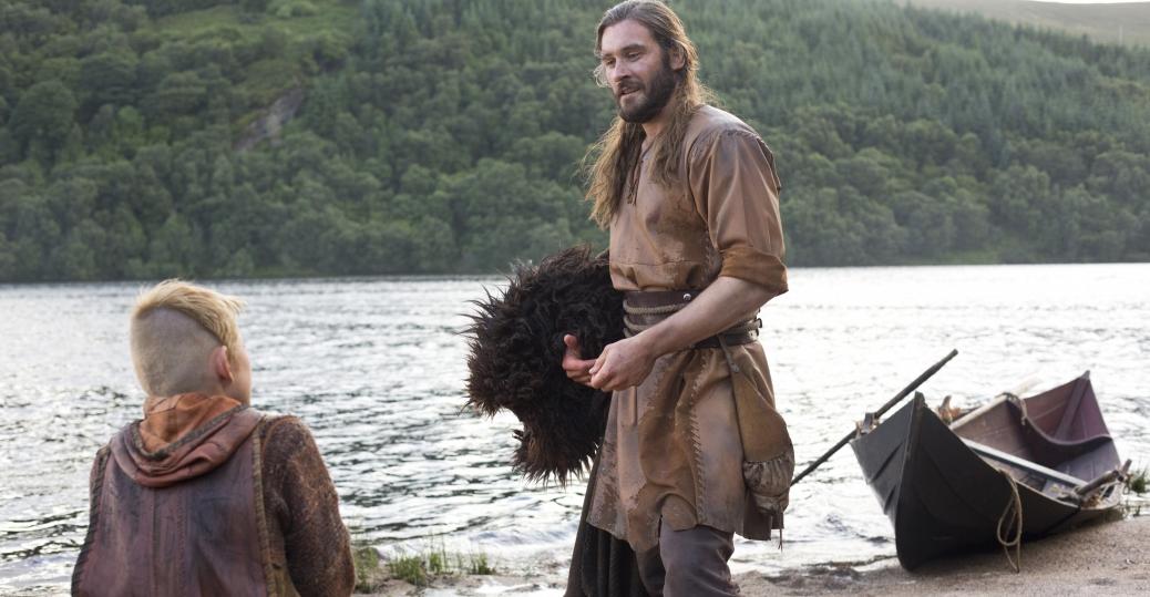 EN BUSCA DE STAFF Vikings-clive-standen