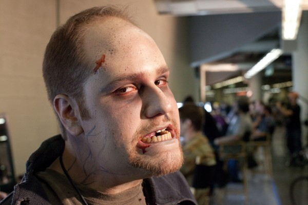 warm-bodies-set-visit-zombie-makeup