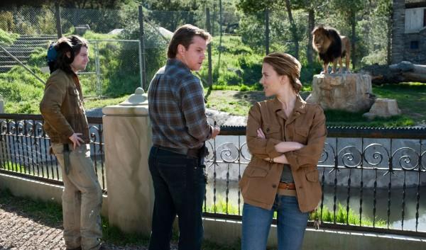 we-bought-a-zoo-movie-image-fugit-damon-johansson-01