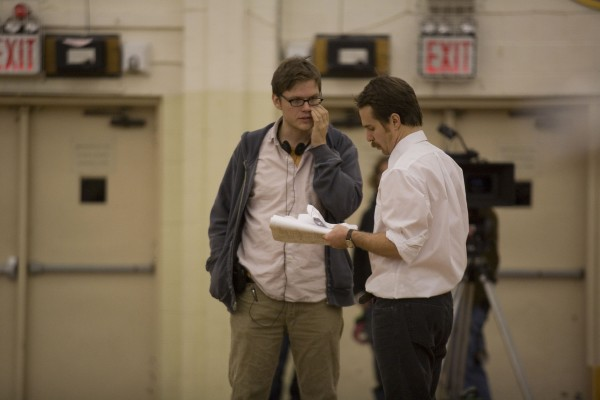 winning_season_set_photo_james_c_strouse_sam_rockwell_01