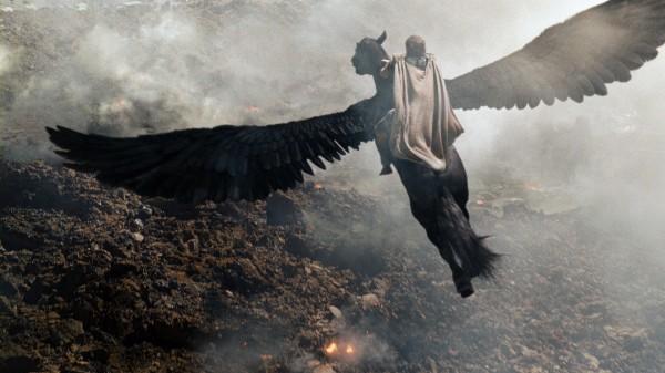 wrath-of-the-titans-sam-worthington-pegasus