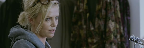 young-adult-movie-image-charlize-theron